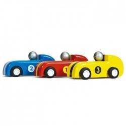 3 voitures à propulsion arrière