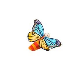 La chenille se transforme en papillon