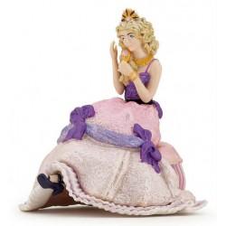 Princesse assise