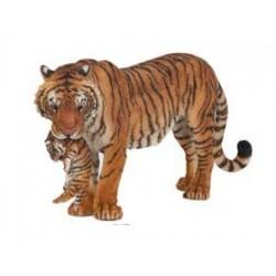 Tigresse et son bébé