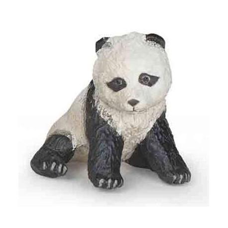Bébé panda assis