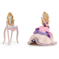 GIFT BOX SITTING PRINCESS AND DRESSER